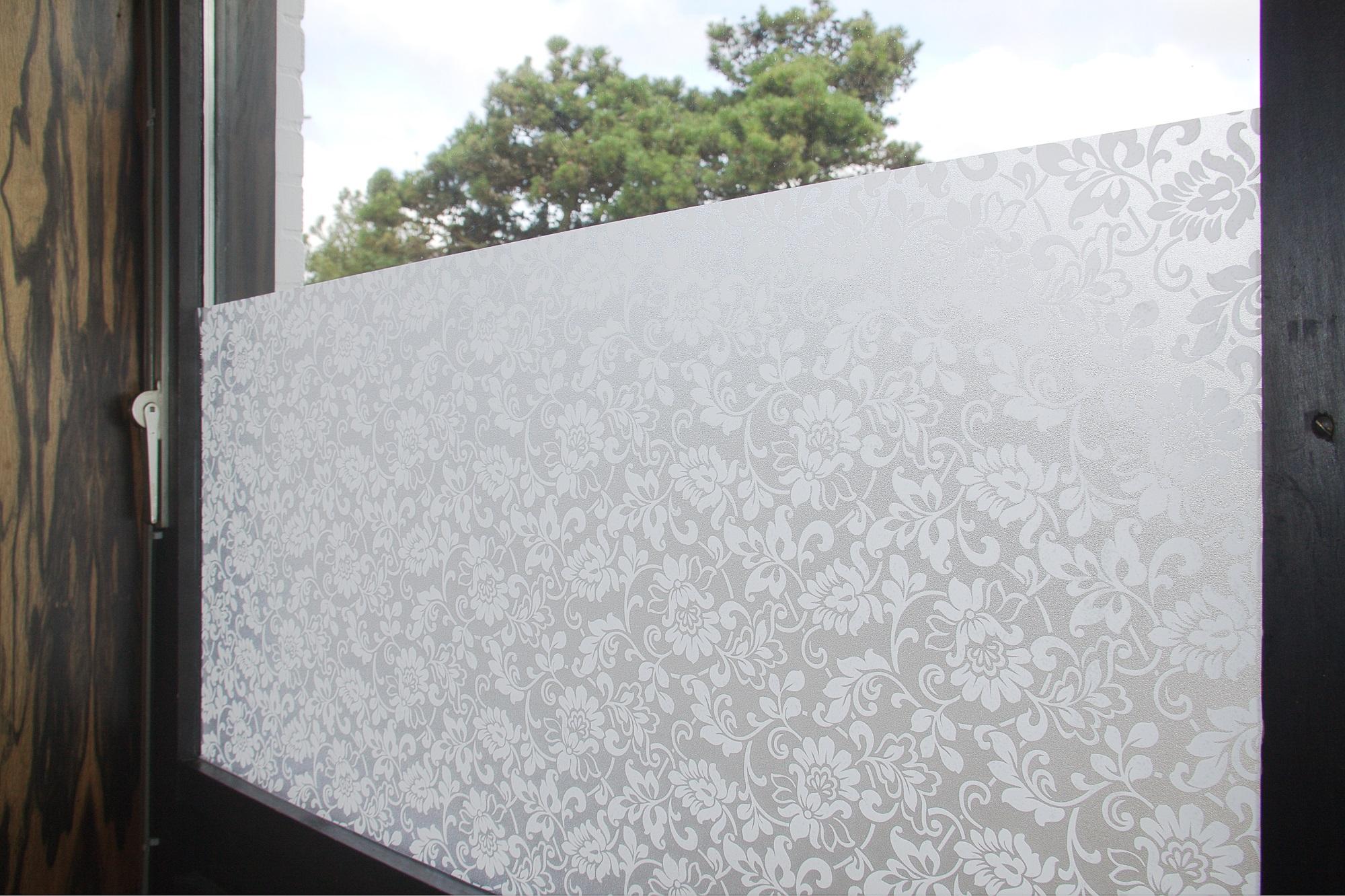 statische fensterfolie milchglas selbstklebend sichtschutz. Black Bedroom Furniture Sets. Home Design Ideas
